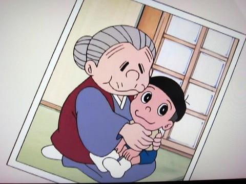 最初は、陰から見るだけと反対していたドラえもんも、のび太の思いを受けておばあちゃんに会うことに賛成して会いに行くことに・・・。