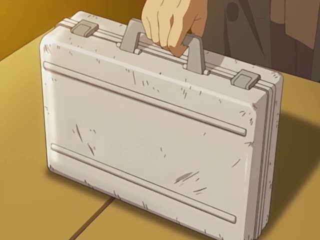 """They used that same suitcase in """"Lost"""" too–but to hold totally different things"""