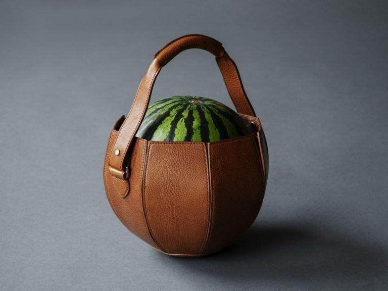 Taske til melon lavet af luksus håndtaske mærket Tsuchiya Kaban