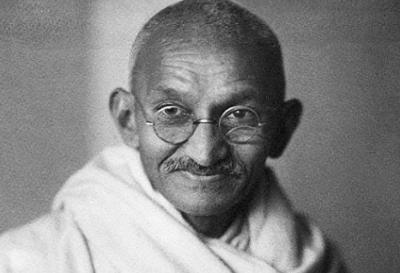マハトマ・ガンジーの人生に響く名言集!7つの社会的罪とは?