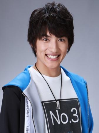 小池亮介は浜松市出身で「学生服のやまだ」のCMに出演!「ウルトラマンR/B」で初の兄弟ヒーローを熱演!
