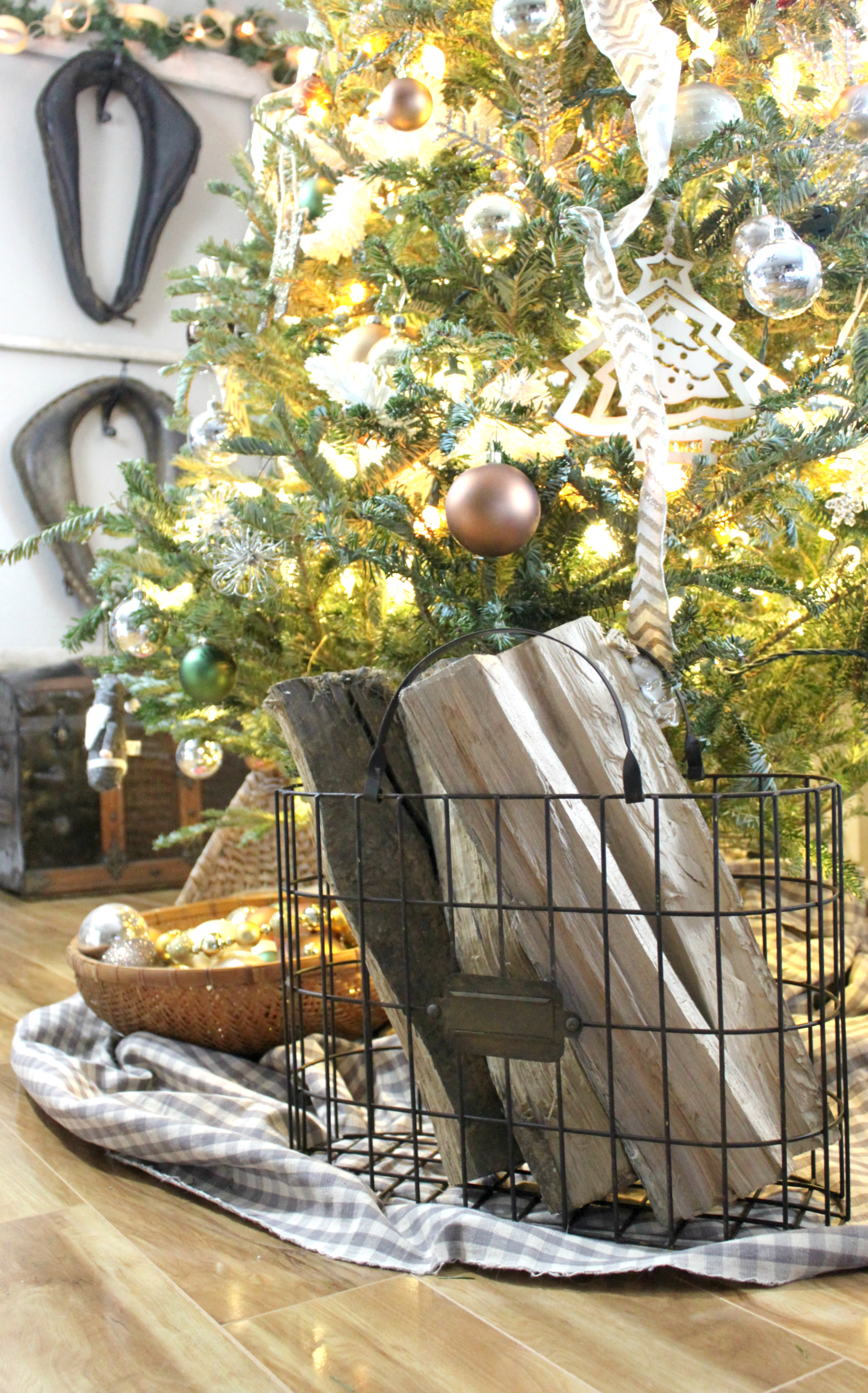A Christmas Gift Guide to Cracker Barrel Old Country Store