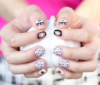 Halloween DIY: Googly Eye Manicure