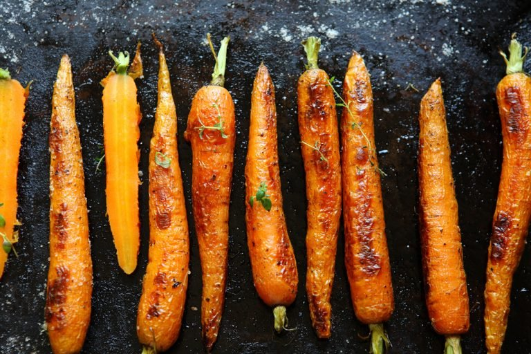 Easy Homemade Honey Glazed carrots With Fresh Thyme During Quarantine 2021