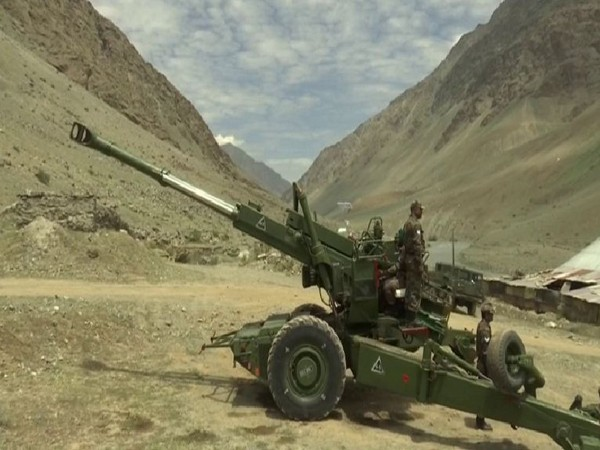 Indian Army personnel demonstrate Bofors Gun ahead of Kargil Vijay Diwas in Dras