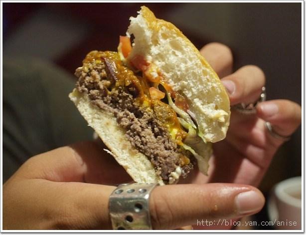 99.07.23 再訪尼莫漢堡–炸物晚上10點後才有喔!