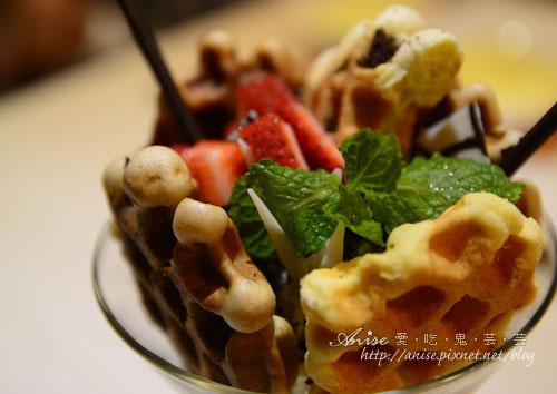 Mina Cafe031.jpg