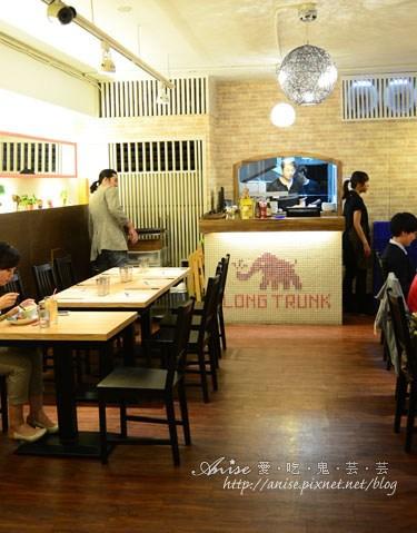 長鼻子大象004.jpg