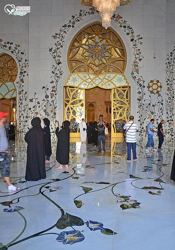 阿布達比大清真寺 Sheikh Zayed Grand Mosque Center@ 杜拜小旅行