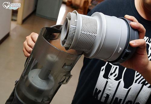 ECOVACS D79 智慧變形掃地機器人,還能變身手持吸塵器!阿爸阿母的居家好幫手~