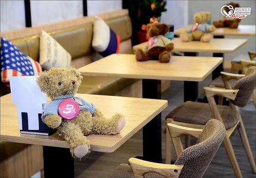 板橋.New Spark Cafe   新火花咖啡,在錢櫃唱歌不只能吃牛肉麵、水餃、排骨飯!
