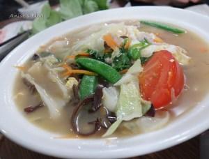 今日熱門文章:捷運永春站美食.無敵水餃,我最愛搶鍋麵,香噴噴的湯頭超美味😘