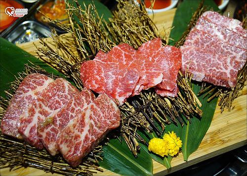 再訪韓老大,海鮮九層塔、燒肉吃得大家好忙碌 XD @愛吃鬼芸芸