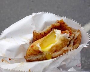 今日熱門文章:花蓮美食.炸彈蔥油餅、老牌炸蛋蔥油餅…久違了!