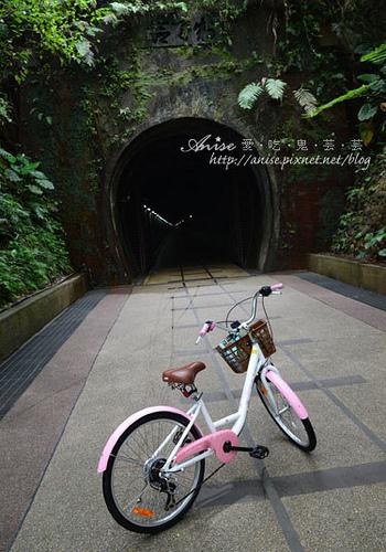 台灣好行黃金福隆線~舊草嶺隧道自行車、福隆國際沙雕藝術季、富士海鮮 @愛吃鬼芸芸