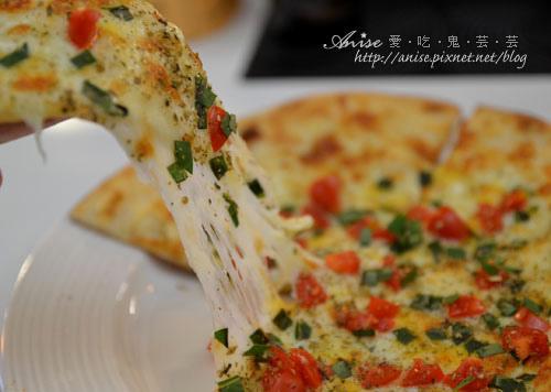 No.8 Italian,四訪總算吃到Pizza! @愛吃鬼芸芸