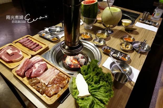 台韓民國韓式燒肉店,西瓜燒酒、哈密瓜燒酒也太威了吧!
