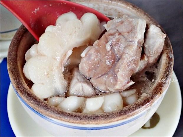 阿蘭大鼎魩仔魚炒飯、苦瓜排骨湯,大稻埕慈聖宮廟口小吃,大同區美食