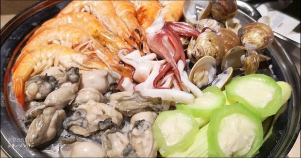 澎湖蒸海鮮 | 鮮食堂海鮮蒸鍋,層層疊疊的澎湖海鮮痛風鍋😍 @愛吃鬼芸芸