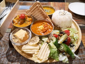今日熱門文章:三個傻瓜印度蔬食(大安店),口味偏清淡的印度料理 (附菜單)
