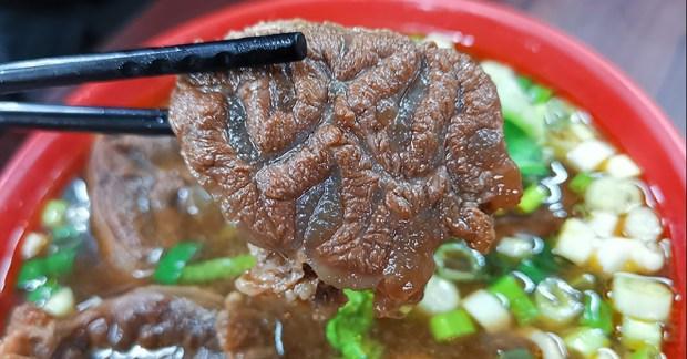 范姜牛肉麵,信義路隱藏版平價牛肉麵 @愛吃鬼芸芸