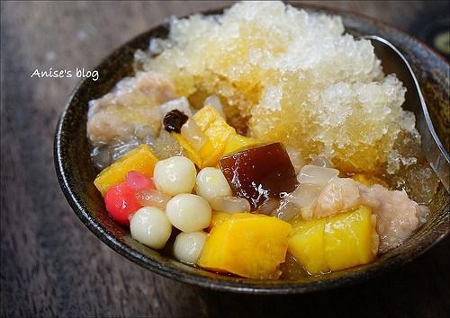 嘉義剉冰 | 咱台灣人的冰,料好實在超大碗,蜜番薯、黑糖粉粿必點! @愛吃鬼芸芸