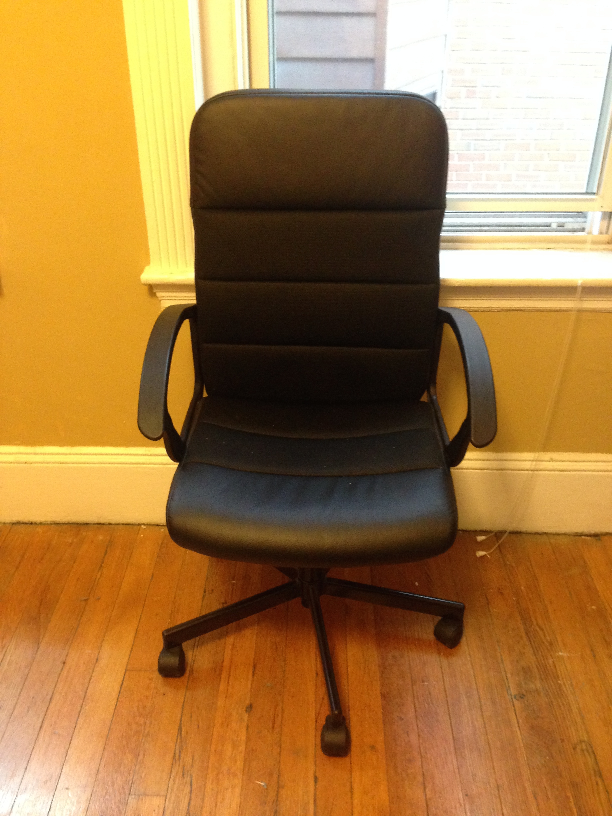 ikea recliner chairs sale vladimir kagan nautilus chair 50 off black fingal swivel 20  furniture