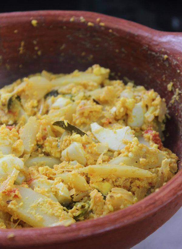 Mutta-Aviyal-Egg-Aviyal-Avial-Kerala-aviyal-Recipe