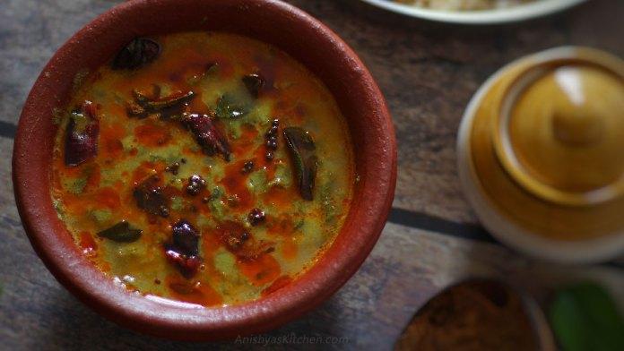 Kerala style cheera parippu curry recipe - Amaranth dal curry - Spinach lentil curry