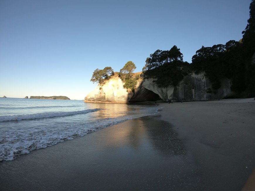 nouvelle_zelande_anissavoyage_anissa_voyage_coromandel_cathedral_cove