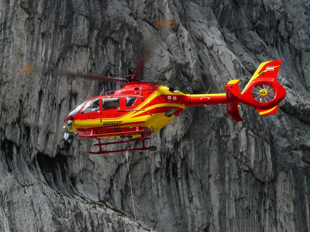 rescue helicopter 61009 - Travel Insurance