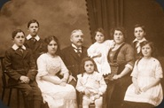 Lionel Enriqueta and their seven Children