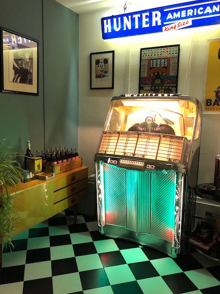 jukebox by night