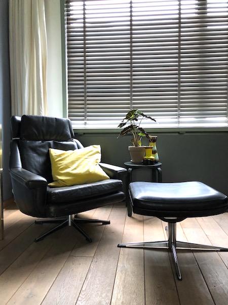 sixties stoel en footstool