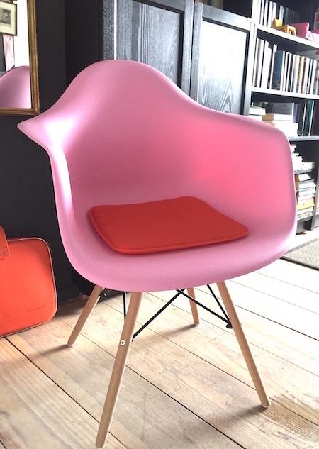 stylingregels-roze stoel