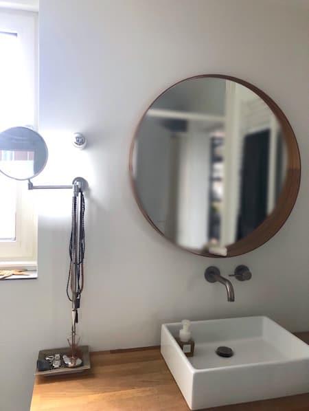 Binnenkijken- badkamerspiegel