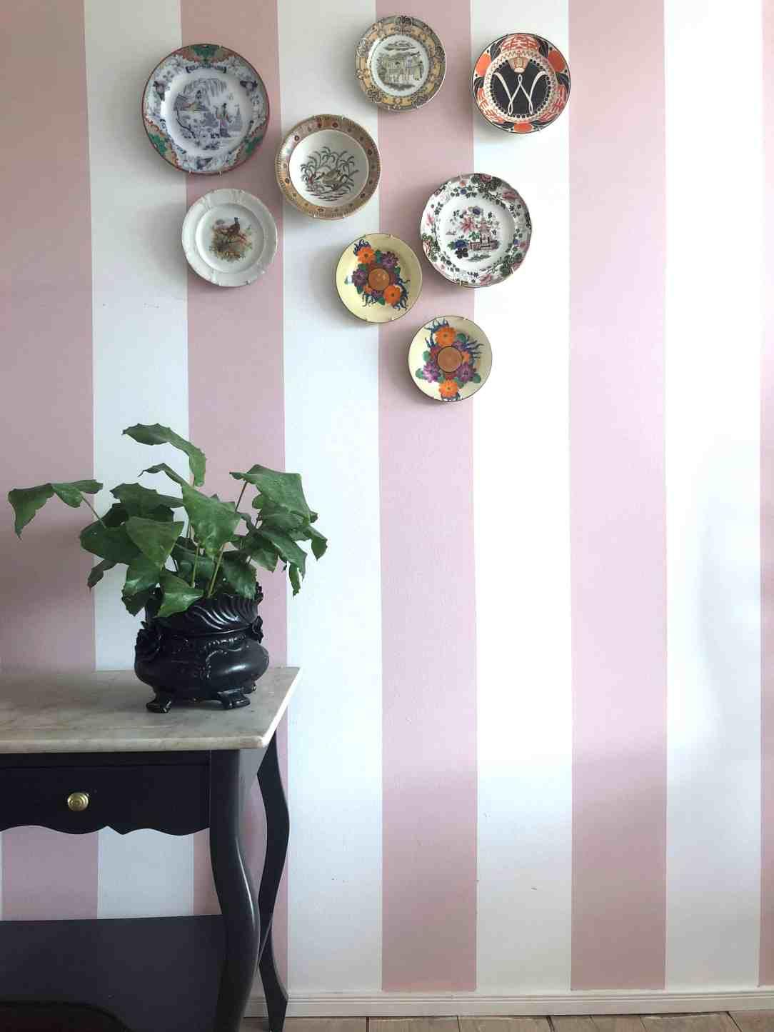 Borden aan de muur
