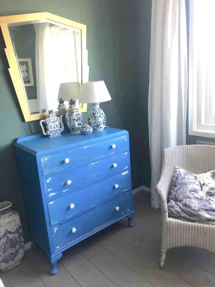slaapkamer-kastje-Annie-Sloan