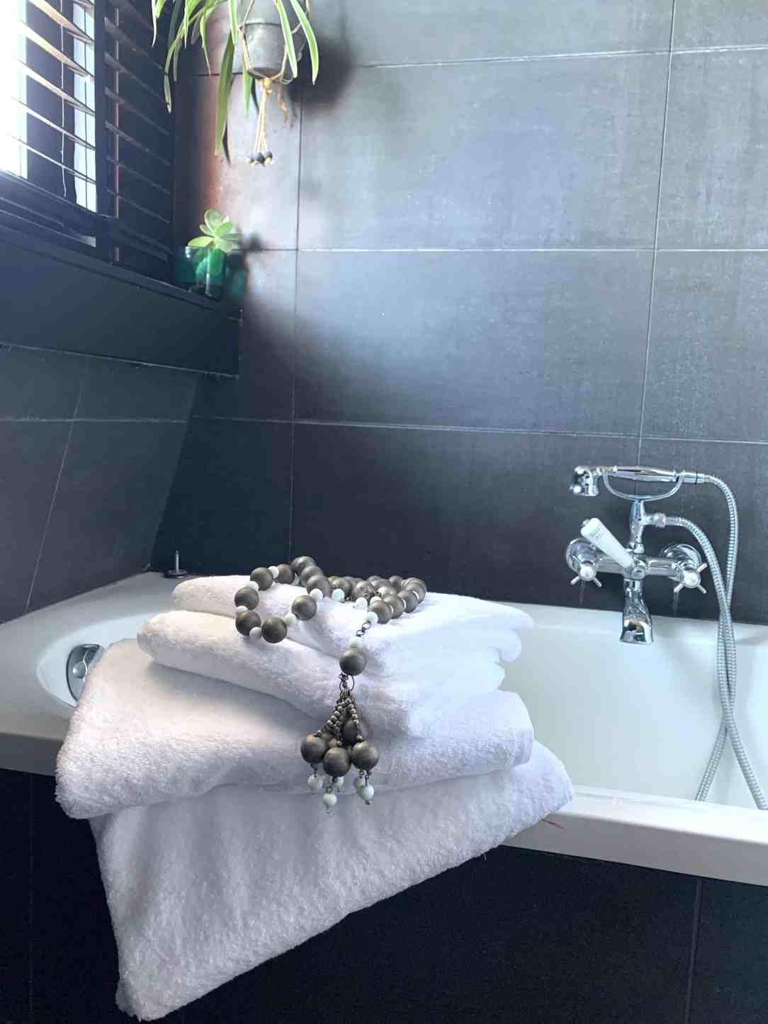 Restyle badkamer -witte handdoeken