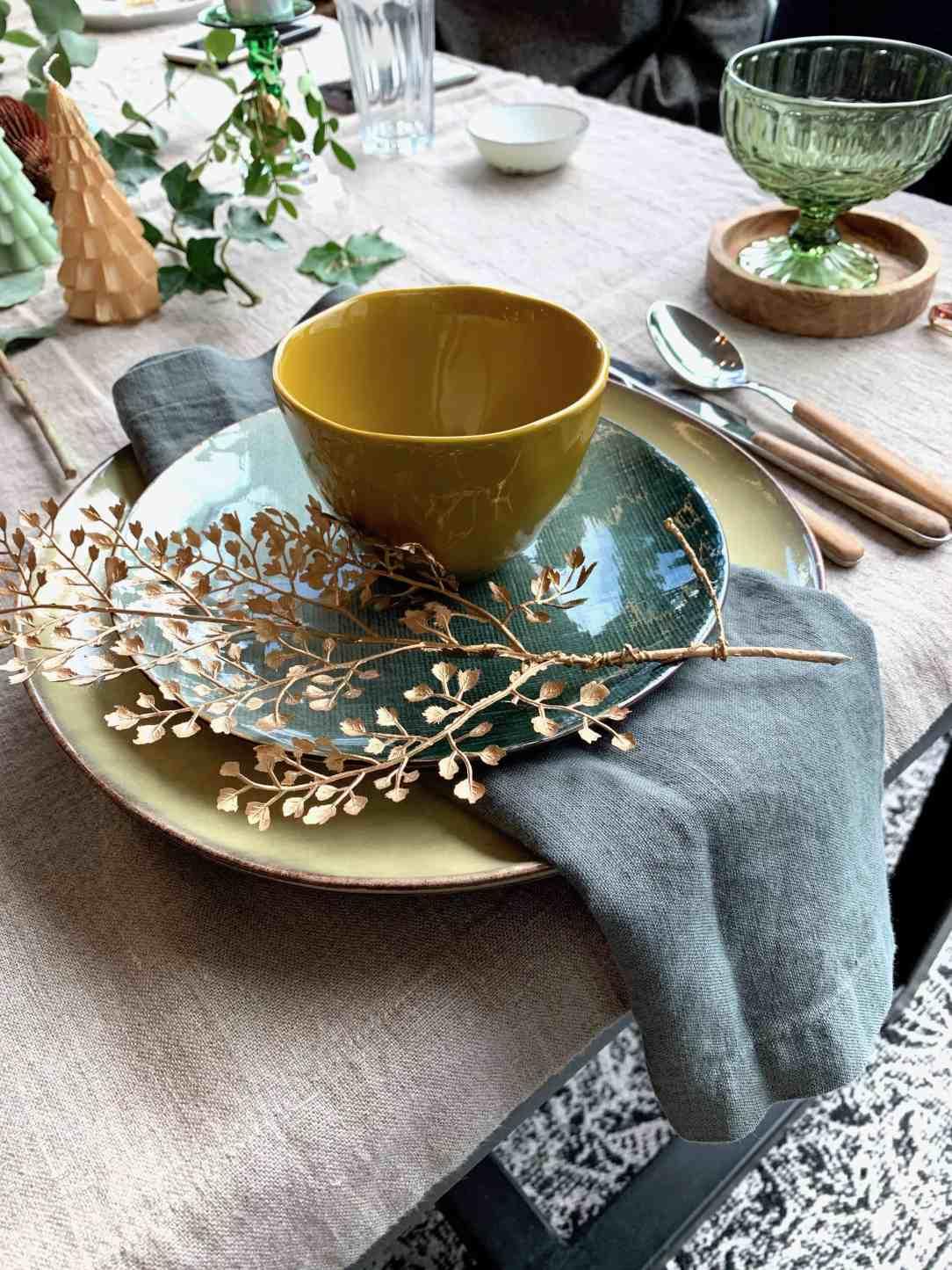 Groen en goud tafelstyling