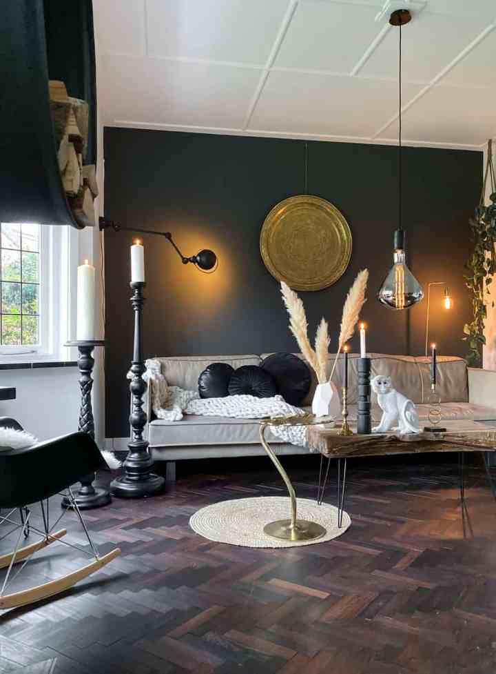 donkere kleuren in het interieur