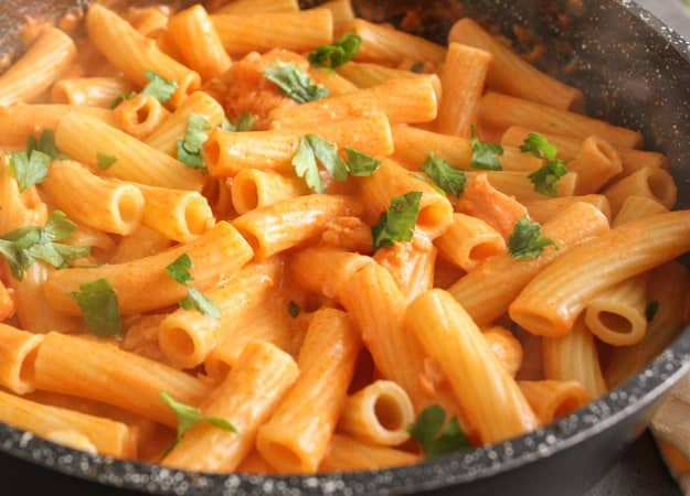 Smoked Salmon Cream Sauce, a delicious creamy smoked salmon Italian pasta sauce recipe  fast, easy and delicious.