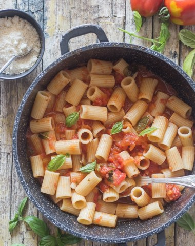 fresh tomato sauce in a black pan