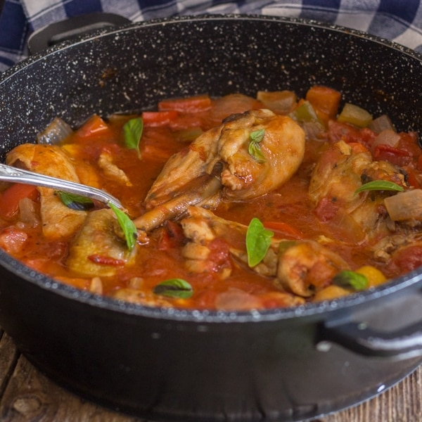 chicken cacciatore in a black pan