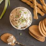 Easy Smoked Salmon Spread a fast, easy and so delicious appetizer spread made with canned salmon and cream cheese.