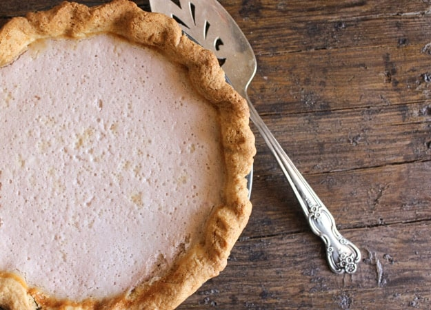 strawberry cheesecake mouse pie