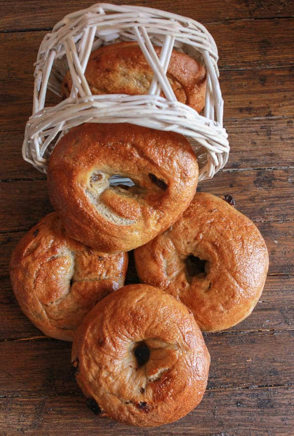 Homemade Cinnamon raisin Bagels, an easy delicious bagel recipe. The perfect breakfast, snack or anytime food.