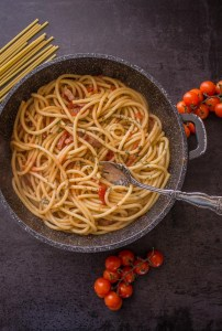 Amatriciana with Fresh Tomatoes, the perfect Italian classic pasta sauce recipe, made with fresh ingredients, fast, delicious, and healthy.
