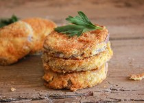 Breaded Eggplant, an super easy and so delicious side dish or appetizer, sliced eggplant lightly fried in a yummy Parmesan breadcrumb mix|anitalianinmykitchen.com