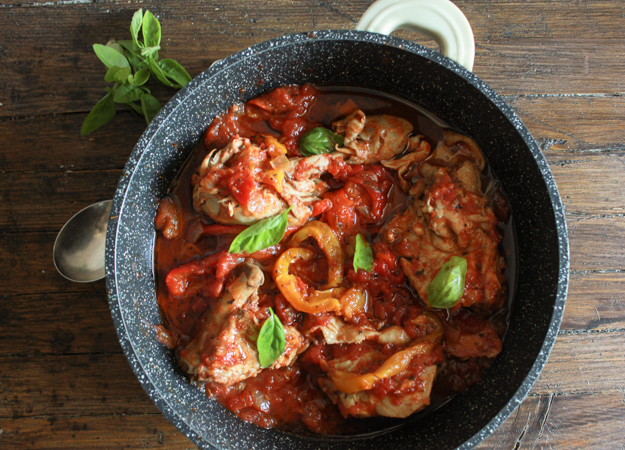 Italian Chicken and Tomato Skillet with Roasted Peppers, an easy delicious Italian recipe, the perfect family dinner, healthy and Paleo.|anitalianinmykitchen.com